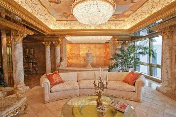 Căn penthouse gồm có 3 tầng, lấy cảm hứng từlâu đài Versailles của Pháp.