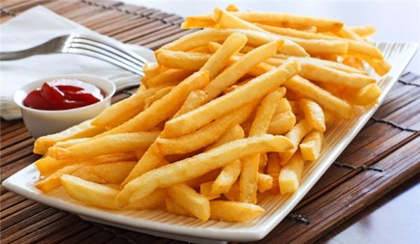 Điểm danh 9 thực phẩm dễ gây nghiện, bạn nên tránh xa.
