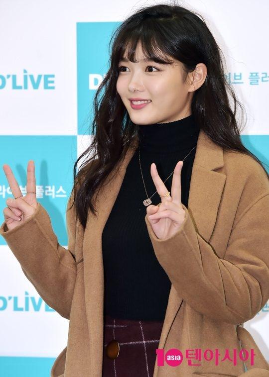 Tiểu thái giám Kim Yoo Jung rạng rỡ xuất hiện với gương mặt mũm mĩm