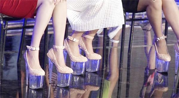 Những đôi giày 20 cm là nỗi ám ảnh của người mẫu trên sàn diễn của Đỗ Mạnh Cường, Công Trí vào năm 2013, 2014.