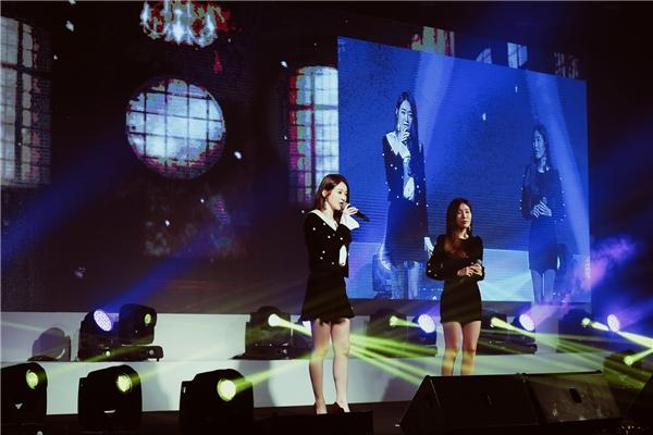 Đặc biệt, sân khấu nghệ thuật của đêm gala còn đón chào sự xuất hiện của nhóm nhạcnữ Davichi cùng với rất nhiều bản hit như This Love, Don't say Goodbye, 8282.. - Tin sao Viet - Tin tuc sao Viet - Scandal sao Viet - Tin tuc cua Sao - Tin cua Sao