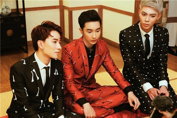Trước thềm đêm gala, Monstar đã được một trong những đài truyền hình lớn nhất Hàn Quốc - Đài KBS - phỏng vấn. - Tin sao Viet - Tin tuc sao Viet - Scandal sao Viet - Tin tuc cua Sao - Tin cua Sao