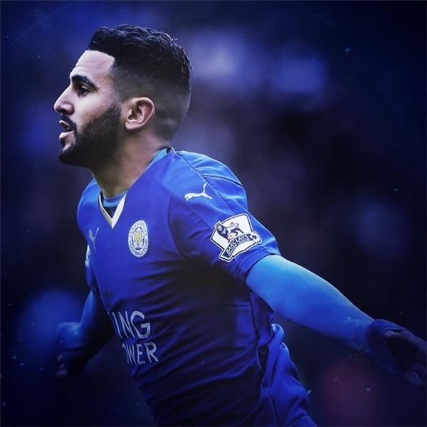"""7. Riyad Mahrez: Bản hợp đồng trị giá 500.000 bảng từ Le Havre tỏa sáng rực rỡ ở mùa giải vừa qua với 17 bàn thắng cùng 10 đường kiến tạo, qua đó giúp Leicester City viết nên câu chuyện cổ tích tại giải Ngoại hạng. Thành tích ấn tượng này còn giúp ngôi sao người Algeria ẵm luôn danh hiệu """"Cầu thủ hay nhất mùa 2015/16"""" do Hiệp hội PFA trao tặng."""