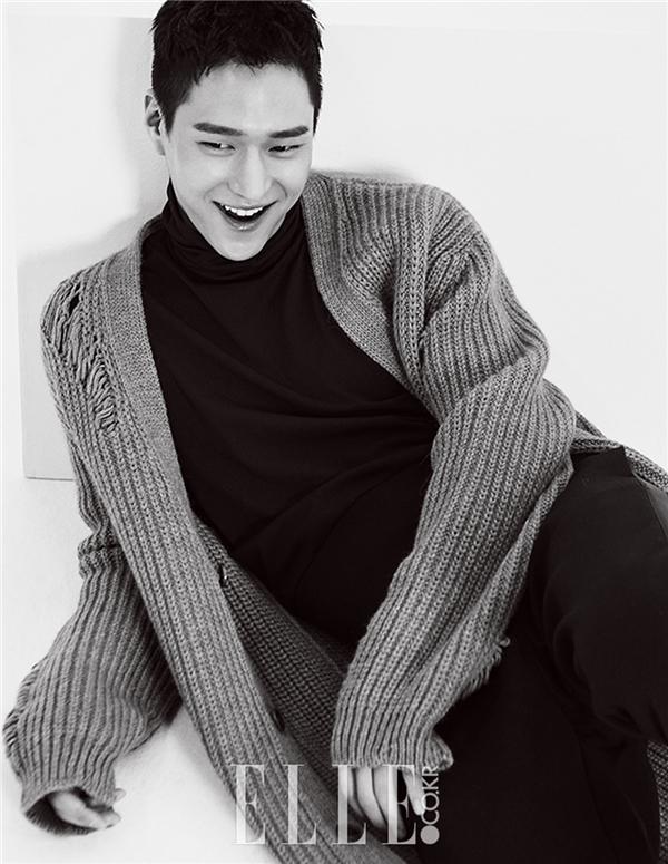 Thế nhưng cũng đừng vội thất vọng. Sau vài tháng tập trung ăn kiêng, Go Kyung Pyo đã lấy lại vóc dáng hoàn hảo. Gương mặt anh đã trở nên thon gọn hơn rất nhiều, để lộ vẻ điển trai, thanh tao vốn có.
