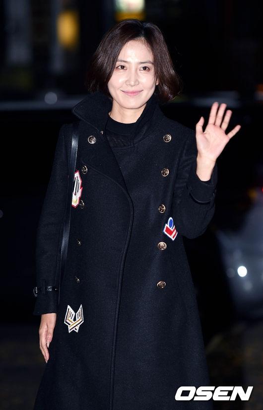 Khán giả vô cùng ấn tượng với vai diễn nữ thư kí trung thành của nữ diễn viên Shin Dong Mi.