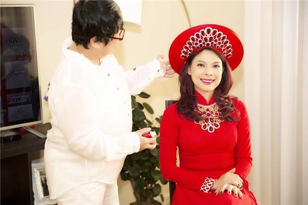 """Nữ ca sĩ cho biết cô vẫn thường nghe những câu hỏi như: """"Tại sao không lấy chồng đi, tại sao không chọn cho mình con đường sung sướng thảnh thơi đi?""""... - Tin sao Viet - Tin tuc sao Viet - Scandal sao Viet - Tin tuc cua Sao - Tin cua Sao"""