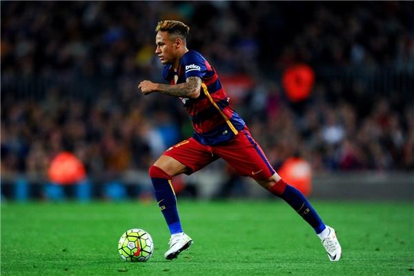 Neymar đạt được nhiều thành tựu hơn Dybala. (Ảnh: internet)