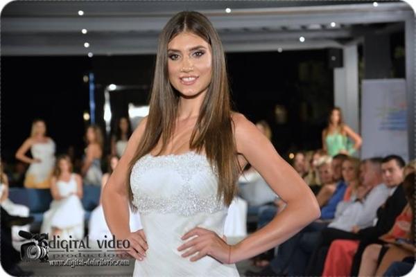 Montenegro: Katarina KEKOVIC, 1m80, 22 tuổi, sinh viên, model, host TV