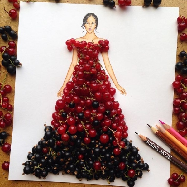2 loại quả màu đỏ, đen đan lồng vào nhau tạo hiệu ứng ombre.