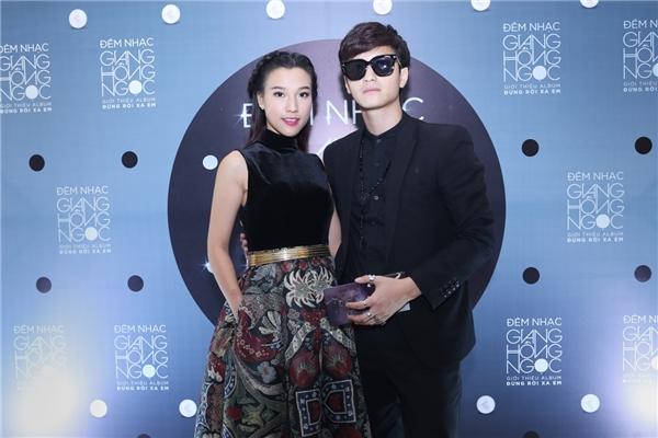 MC Hoàng Oanh sánh đôi cùng bạn trai Huỳnh Anh tham dự sự kiện. - Tin sao Viet - Tin tuc sao Viet - Scandal sao Viet - Tin tuc cua Sao - Tin cua Sao