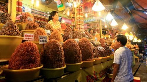 Chợ Châu Đốc là điểm đến du khách không nên bỏ qua trong hành trình miền Tây Nam Bộ. (Ảnh: Internet)