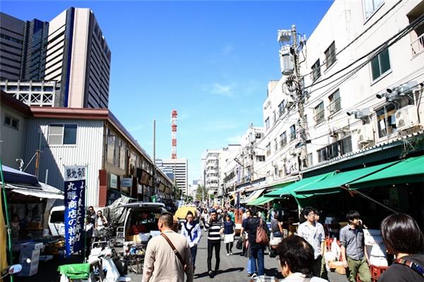 Một góc của chợcá Tsukiji.(Ảnh: Internet)
