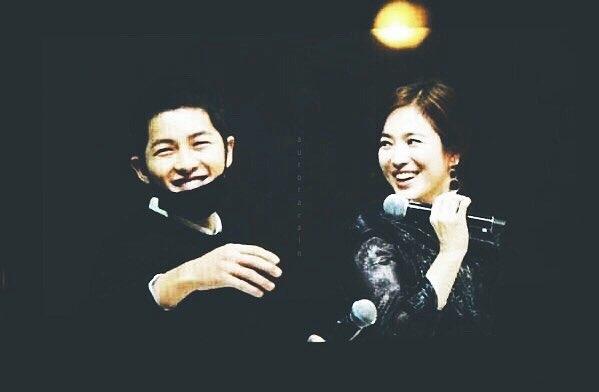 """""""Phát hờn"""" hành động dịu dàng Song Joong Ki dành cho Song Hye Kyo"""