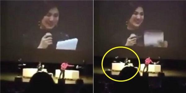 Song Joong Ki lịch thiệp đưa khăn giấy cho đàn chị