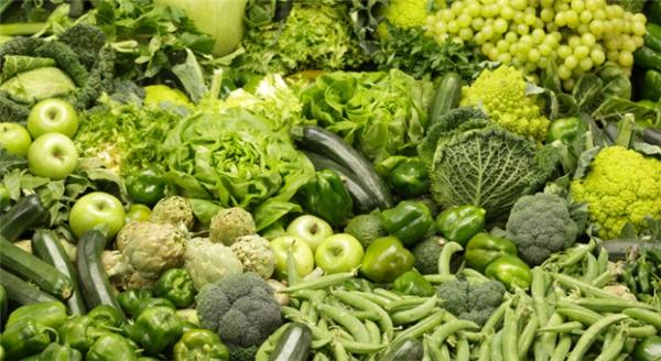 Trong tiềm thức trẻ nhỏ, rau không những có màu kémhấp dẫn mà còn có vị... khác vị ngọt.