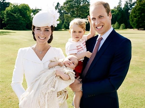 Hoàng tử Anh- William đã xuất hiện tại phố cổ Hà Nội