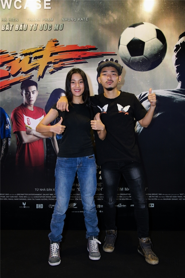 Hà Hiền, Nhung Kate xuất hiện năng động tại buổi showcase.
