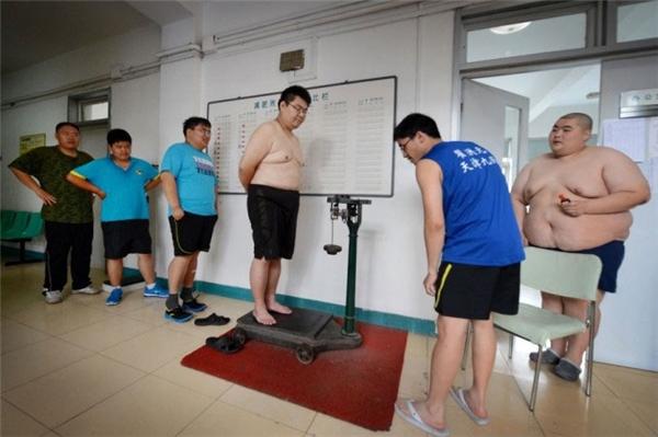 Và kiểm tra cân nặngthường xuyên.