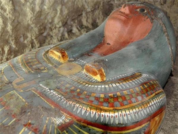 Xác ướp 2.500 tuổi được tìm thấy nguyên vẹn ở bờ Tây sông Nile.