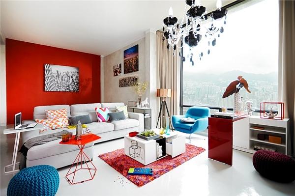 Sofa có vải bọc đặc biệt như vải nhung, vải nỉ, da lộn hay có sự phối hợp giữa nhiều chất liệu sẽ khẳng định cái tôi cá nhân độc đáo của gia chủ.