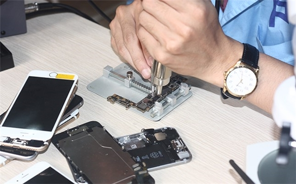 6 cách đơn giản để bảo vệ smartphone khi mang đi sửa chữa