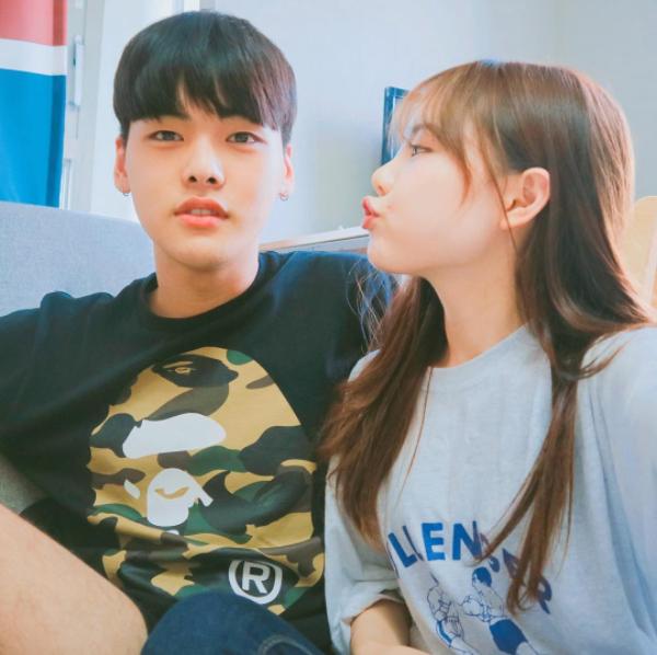 """Đôi vợ chồng trẻ hiện đang trở thành """"tâm điểm"""" của cư dân mạng Hàn Quốc."""