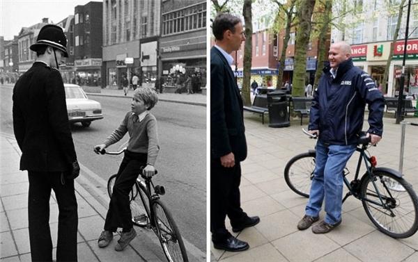 Cậu bé gầy gò năm xưa đã phong độ hơn và mái tóc cũng đã thay đổi. Chú cảnh sát chắc cũng đã về hưu rồi ấy nhỉ? (Ảnh: Chris Pors)