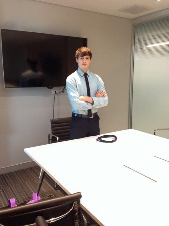 Greg hiện là giáo viên dạy tiếng anh kiêm người dẫn chương trình trên kênh Thai PBS.