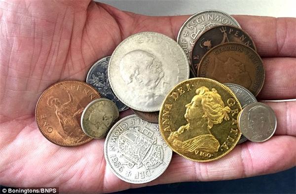 Rinh khoản tiền khủng nhờ phát hiện đồng xu 300 năm tuổi