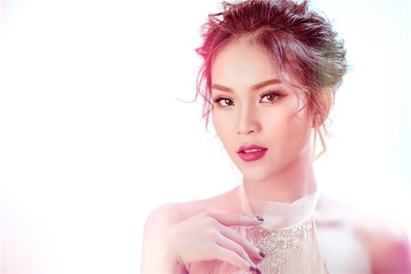 Về mặt chuyên môn, nếu như trong series phim Cô Giáo Khánh,Phương TiTi vẫn chưa hài lòng về bản thân mìnhthì trong series School TV, khả năng diễn xuất của cô nàng đã được cải thiện đáng kể.