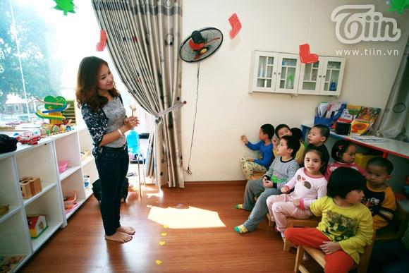 Ngoài công việc của một MC duyên dáng trên truyền hình,Thanh Vân Hugo còn được biết đến với công việc gõ đầu trẻ.