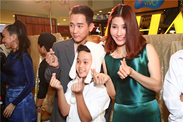 Hứa Vĩ Văn, Diễm My 9X quẫy tưng bừng cùng gia đình tào lao - Tin sao Viet - Tin tuc sao Viet - Scandal sao Viet - Tin tuc cua Sao - Tin cua Sao