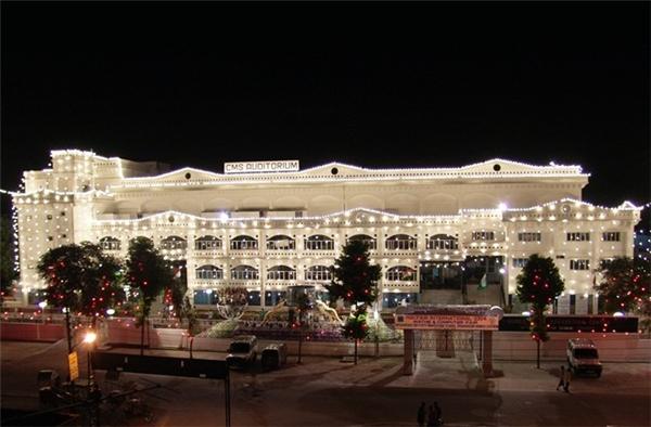 Trường City Montessori được ghi nhận là trường học lớn nhất thế giới theo sách kỉ lục(CMS).