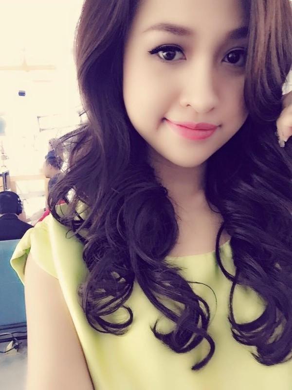 Thanh Vân Hugođược biếtđến như một nàng hot girl vừa xinhđẹp lại giỏi giangđược nhiều người yêu mến.