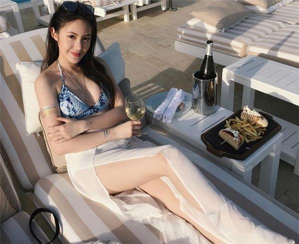 Cô gái gốc Việt khiến mọi người xuýt xoa vì vẻ đẹp ngọt ngào ở tuổi 19.