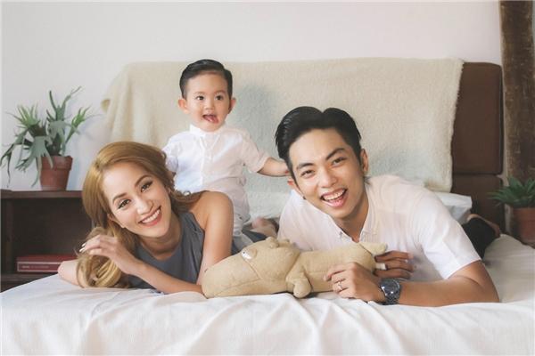 Thích thú với bộ ảnh siêu dễ thương của gia đình Khánh Thi-Phan Hiển - Tin sao Viet - Tin tuc sao Viet - Scandal sao Viet - Tin tuc cua Sao - Tin cua Sao