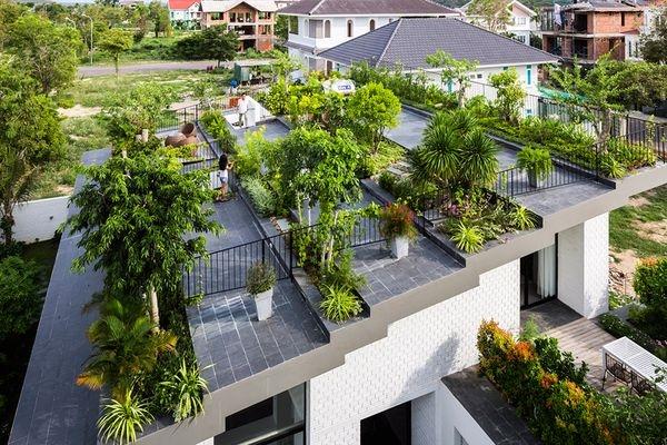 Công viên ngay trên mái nhà, đây chính là ngôi nhà độc nhất Việt Nam