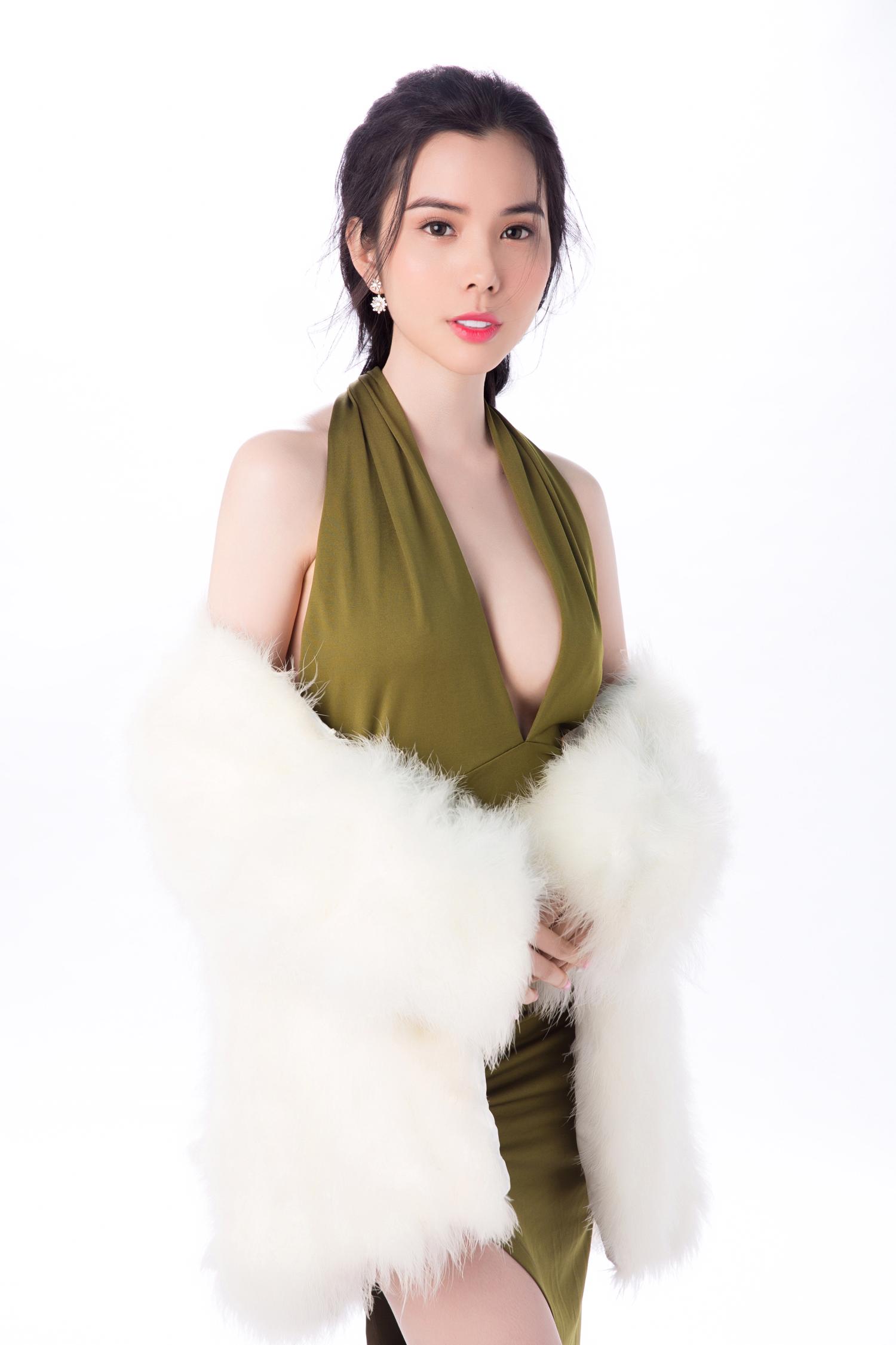 Á khôi Huỳnh Vy đẹp mong manh với váy xuyên thấu - Tin sao Viet - Tin tuc sao Viet - Scandal sao Viet - Tin tuc cua Sao - Tin cua Sao