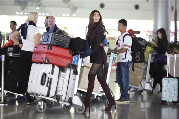 """Khánh My vác"""" 5 vali đồ sang Bắc Kinh hội ngộ Mã Đức Chung - Tin sao Viet - Tin tuc sao Viet - Scandal sao Viet - Tin tuc cua Sao - Tin cua Sao"""