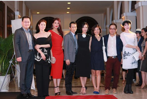 Ông Dong Won Kwak (đầu tiên từ trái qua) cùng khách mời tại sự kiện.