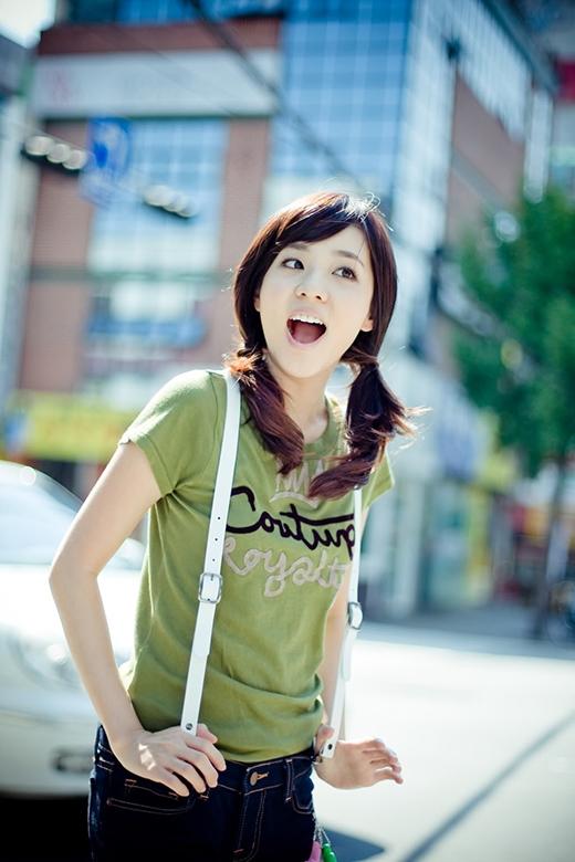 Thành viên 2NE1 luôn trẻ trung xinh đẹp