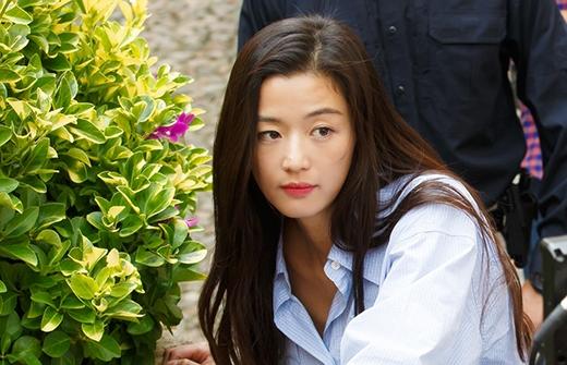 Muôn vẻ biểu cảm đáng yêu của nàng tiên cá Jeon Ji Hyun