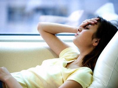 Khi tức giận, đại não sẽ ra lệnh cho cơ thể tạo ra cortisol được chuyển hóa từ cholesterol, nếu chất này được tích tụ lâu ngày trong cơ thể, sẽ gây cản trở sự vận chuyển của tế bào miễn dịch.