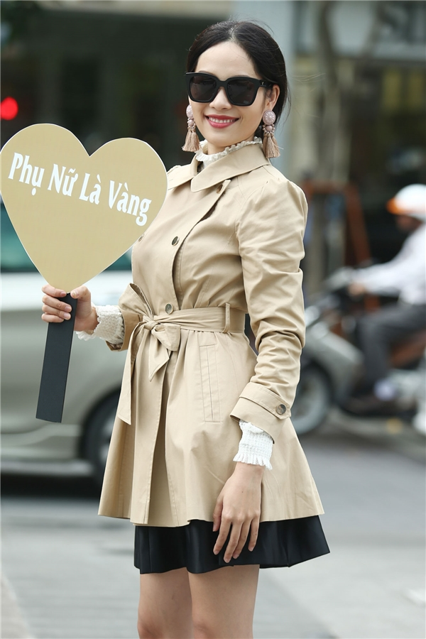 Nguyễn Thị Lệ Nam, chị gái của Hoa khôi đồng bằng sông Cửu Long 2015 Nam Em cũng chập chững gia nhập làng mẫu.