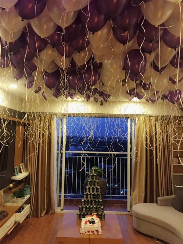 Bận rộn với công việc nhưng Thành Đạt vẫn tranh thủ về chúc mừng sinh nhật bạn gái. Nam diễn viên còn tự tay trang trí không gian bữa tiệc tại gia. - Tin sao Viet - Tin tuc sao Viet - Scandal sao Viet - Tin tuc cua Sao - Tin cua Sao