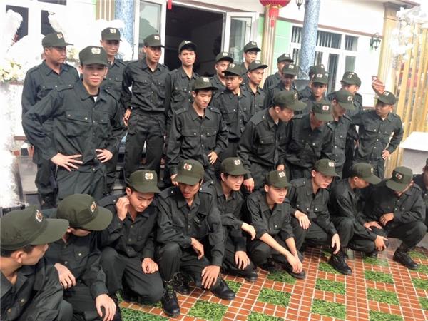 Tổng cộng có 50 vệ sĩ bảo vệ an ninh, trật tự đám cưới.(Ảnh: NVCC)
