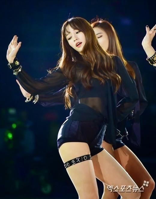 Vị trí visual của EXID thuộc về cô nàng cá tính Hani. Cô nàng có công giúp nhóm nổi tiếng nhờ fancam Up&Down.