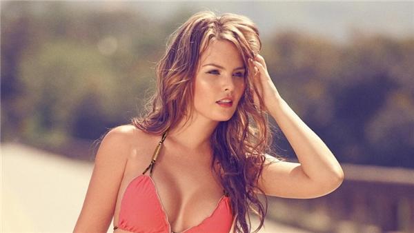 Phụ nữ Colombia được nhận xét là rất xinh đẹp và hấp dẫn.