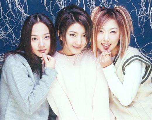 Sau thời gian ra mắt không lâu nhóm chinh phục trái tim hàng triệukhán giả,S.E.S khởi đầu cho kỷ nguyên girlgroup ở Kpop.