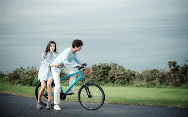 ChàngHeo Joon Jae- Lee Min Ho của Huyền thoại biển xanhđang là cái tên hot nhất hiện nay.